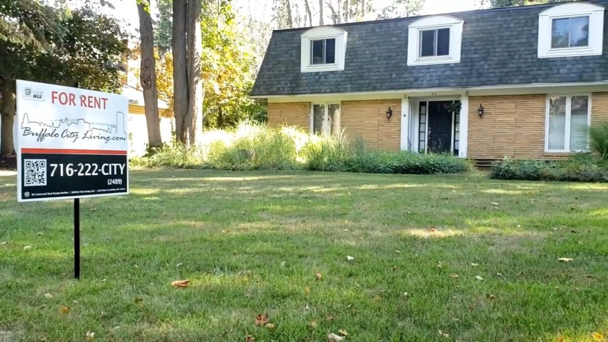 FOR RENT: 55 Foxhunt Ln